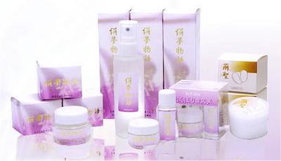 国内産繭(まゆ)を使用したシルク化粧品「絹夢物語」まゆづくしクリーム(顔用)【35g/ラヴィドール化粧品】