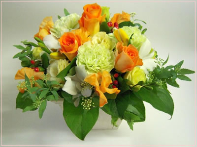贈る方の占い付き!お花でキューピット・フラワーアレンジメントデラックス【占い付フラワーアレンジメントセット】