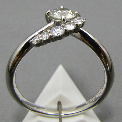 ★ 5%OFF ★【ジュエリー/ダイヤモンド/指輪】PT グリーンダイヤモンドリング D/0.438カラット