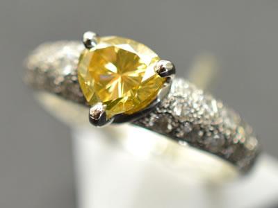 【ジュエリー/ダイヤモンド/指輪】PT ファンシーオレンジダイヤモンドリング D/0.742カラット