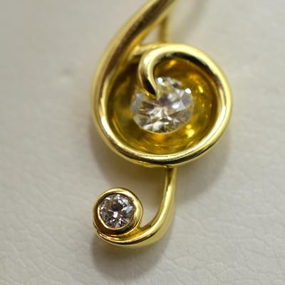 【ジュエリー/ダイヤモンド/ネックレス】K18 ト音記号ダイヤモンドペンダントネックレス D/0.404カラット