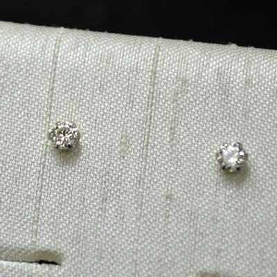 【ジュエリー/ダイヤモンド/ピアス】PT ハート&キューピットダイヤモントピアス D/0.10カラット