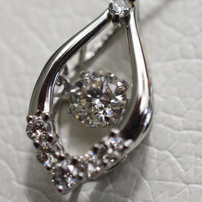 【ジュエリー/ダイヤモンド/ネックレス】PT ダイヤモンドペンダントネックレス D/0.48カラット <ダンシングストーン>