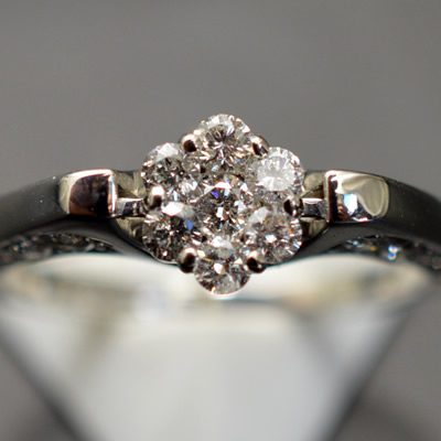 ★ 5%OFF ★【ジュエリー/ダイヤモンド/指輪】K18WG ダイヤモンドリング D/0.61カラット