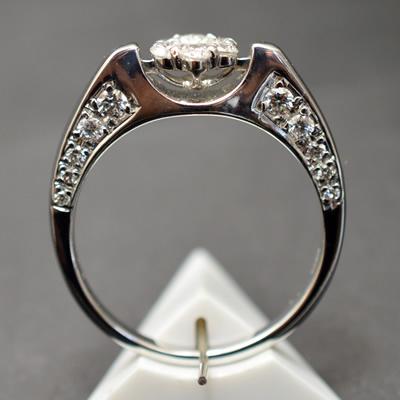 【ジュエリー/ダイヤモンド/指輪】K18WG ダイヤモンドリング D/0.61カラット