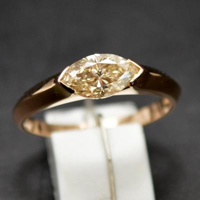 【ジュエリー/ダイヤモンド/指輪】K18PGダイヤモンドリンク(マーキスカット) D/0.83カラット