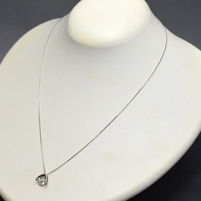 【ジュエリー/ダイヤモンド/ネックレス】PT ダイヤモンドペンダントネックレス D/0.341ラット <ダンシングストーン>