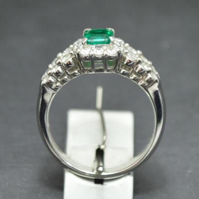 【ジュエリー/エメラルド/ダイヤモンド/指輪】PTエメラルドダイヤモンドリング E/0.47カラット D/0.70カラット