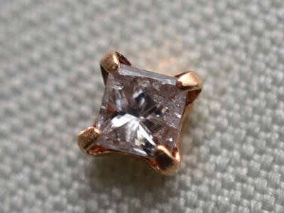 【ジュエリー/ダイヤモンド/ピアス】K18PG ピンクダイヤモンドピアス D/0.08カラット