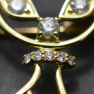 【ジュエリー/ダイヤモンド/ピンブローチ】K18 ガーネット/ダイヤモンドブローチ(猫)G/0.12カラット D/0.38カラット