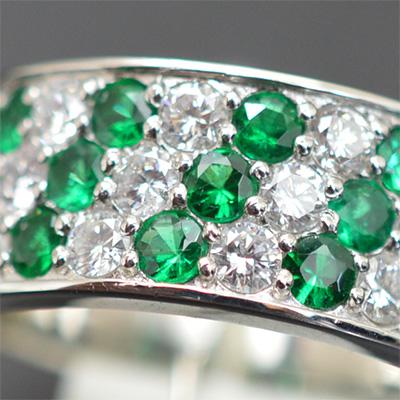 【ジュエリー/エメラルド/指輪】PTエメラルドダイヤモンドリング E/0.76カラット /0.68カラット