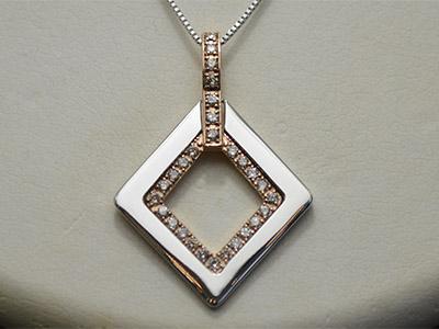 【ジュエリー/ダイヤモンド/ペンダントヘッド】PT K18PGダイヤモンドペンダントヘッド D/0.41カラット