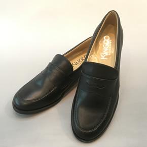 f37c9c9e4a141 靴の甲の内側部にゴムが入っているので歩いていてしっかりと足に付いてきます。 ◇皮素材なので足が蒸れにくい!